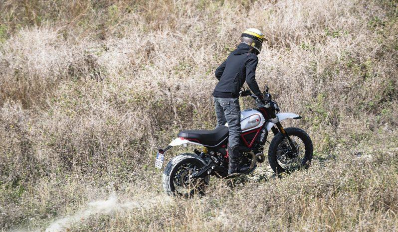 Ducati Scrambler Desert Sled lleno