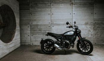 Ducati Scrambler Icon Dark lleno