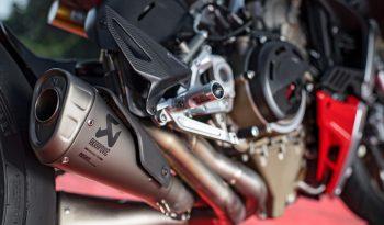 Ducati StreetFighter V4s lleno
