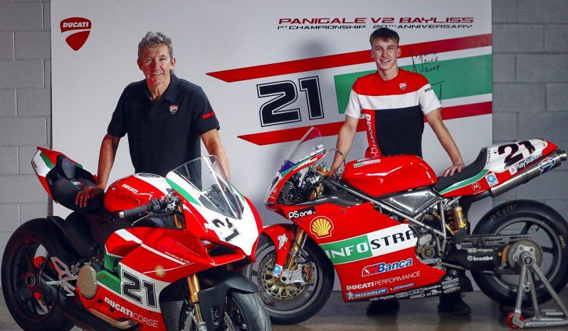 Ducati Panigale V2 Bayliss lleno